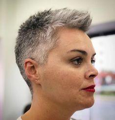 Transitioning to Gray Hair 101 NEW Ways to Go Gray in 2020 - Hair Adviser Blue Grey Hair, Grey Hair Care, Long Gray Hair, Lilac Hair, Pastel Hair, Green Hair, Natural White Hair, Short Hair Cuts, Short Hair Styles