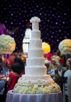 Daily Wedding Cake Inspiration. To see more: http://www.modwedding.com/2014/06/19/daily-wedding-cake-inspiration/  #wedding #weddings #cake Featured Wedding Cake: Elizabeth's Cake Emporium; Featured Photographer: Photography by Abi