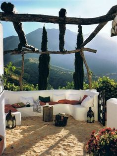 Elegant rustic outdoor decor at Cortijo El Carligto one of the most beautiful holiday getaway in Spain. Designers: Alan Hazel și Marc Wils