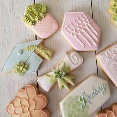 Order Cookies, Cut Out Cookies, Cute Cookies, Cupcake Cookies, Cookies Kids, Royal Icing Sugar, Royal Icing Cookies, Almond Sugar Cookies, Grad Party Decorations