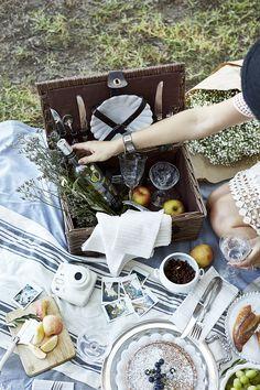 Picnicking with Ecco Domani