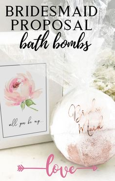 Bridesmaid Proposal Bath Bomb with Gift Box – Gifts Bridesmaid Gifts From Bride, Bridesmaid Tips, Will You Be My Bridesmaid Gifts, Bridesmaid Proposal Gifts, Bridesmaids And Groomsmen, Beach Wedding Gifts, Bride Getting Ready, Wedding Favours, Wedding Cakes