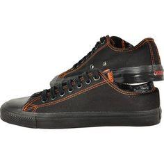 Osiris propune un model clasic de pantofi in stilul Skater, foarte rezistenti, potriviti celor care sunt intotdeauna in miscare. Flexibili si foarte durabili pot fi purtati in orice zi, iar talpa are un sistem anti-abraziune. Latex, The Originals, Tennis
