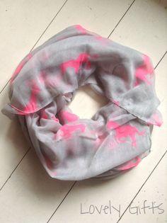 www.mijnwebwinkel.nl/winkel/lovelygifts  Sjaal voor de paardenliefhebber!!!