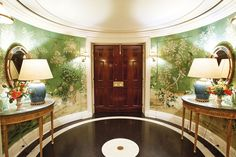 Tory Burch's widely admired New York apartment has beenpublished again, this time by British Vogue. I always love a new glimpse and seeing how the space has transformed over time. From the foyer covered in Gracie wallpaper to the orange lacquer lounge, each space flaunts the fashion designer's masteryof color. Below, see more of the …