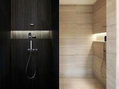 Bad moderne dusche mit eingebaite aufstellfläche und indirekter beleuchtung als moderne badezimmer inspiration