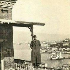 İZMİR Karataş Asansör 1930 yılı Asansör görevlisi Ankara, Nostalgia, Ottoman, Vintage, Photos, Cities, Vintage Comics