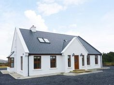 Kevin's House - Stylish, detached cottage on Achill Island. Modern Bungalow House, Small Bungalow, Bungalow Exterior, Bungalow Renovation, Dormer Bungalow, Bungalow Ideas, Square House Plans, Metal House Plans, Craftsman House Plans