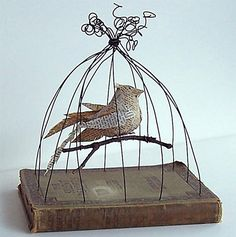 Bird in Bird Cage Vintage Book Mixed Media Silent Reader, Cage Deco, Paper Art, Paper Crafts, Ideias Diy, Bird Crafts, Assemblage Art, Wire Art, Bird Cage, Metal Art