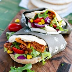 Pita bread salad sandwich with Bolognese sauce