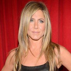 """Jennifer Aniston apostou no nude! Foto da premiação """"People's Choice"""", que ocorreu esta semana!"""