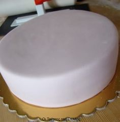 Keep That Cooking Area Clean Greek Desserts, Greek Recipes, Fondant Icing Sugar, The Kitchen Food Network, Cream And Sugar, Pastry Recipes, Candy Recipes, Cakes And More, Royal Icing