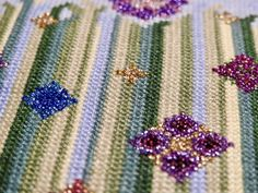 Cross Stitch, Brooch, Flowers, Jewelry, Punto De Cruz, Jewlery, Bijoux, Florals, Jewerly