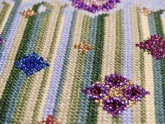 Cross Stitch, Brooch, Flowers, Jewelry, Punto De Cruz, Jewlery, Jewerly, Seed Stitch, Brooches