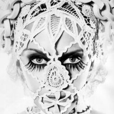 Kylie Minogue in Jean Paul Gaultier Haute Couture Jean Paul Gaultier, Jean Paul Goude, Kylie Minogue, Editorial Fashion, Fashion Art, Collage Kunst, Face Lace, Inspiration Artistique, Art Photography