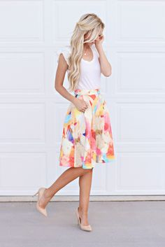 Summer outfits! Get gorgeous ideas for the beach, outdoor weddings, and more! Take a look at these 101 summer outfits you simply must have!