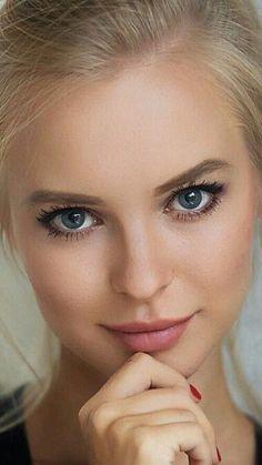 Most Beautiful Faces, Beautiful Lips, Stunning Eyes, Gorgeous Eyes, Gorgeous Women, Real Beauty, Beauty Women, Interesting Faces, Photography Women