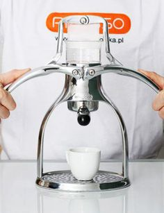 This  Presso-Espresso looks slick.  Could replace my Aero-Press for office duty.  Will look great on the desk!