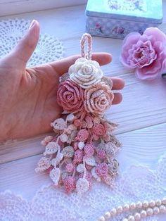 Crochet Butterfly Free Pattern, Crochet Flower Tutorial, Crochet Flower Patterns, Crochet Diagram, Crochet Flowers, Diagram Chart, Crochet Bouquet, Crochet Brooch, Crochet Bracelet