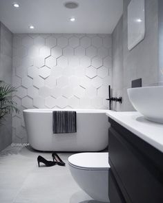 2019 Bathroom Tiles Models and Colors- Page 13 of 41 - Home & Garden interior and Design Club Modern Bathroom Tile, Bathroom Tile Designs, Modern Farmhouse Bathroom, Bathroom Colors, Bathroom Interior, Home Interior, Small Bathroom, Bathroom Ideas, Wall Tiles Design