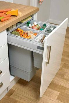 Large Integrated Recycling Bin - Waste Management - Accessories - Kitchen Collection - Howdens Joinery 2x 32l and 2x 8l