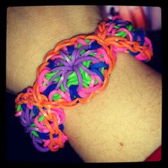 Kaleidoscope pattern, rainbow loom