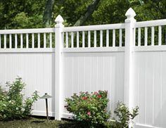 I REALLY want a white vinyl privacy fence - but I would settle for any white vinyl fence tall enough to keep my dogs safe. Vinyl Privacy Fence, Privacy Fence Designs, Patio Privacy, Privacy Fences, Vinyl Fencing, White Vinyl Fence, White Fence, Fence Landscaping, Backyard Fences
