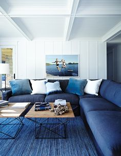 Discover 20 ways to decorate with Pantone 2020 Color of the Year, Classic Blue, from playful upholstery to festive front doors. Coastal Living Rooms, Living Room Decor, Coastal Cottage, Coastal Homes, Interior Exterior, Interior Design, Interior Ideas, Design 3d, Design Ideas