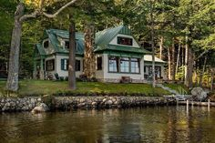 like a lush version of Doug's house on the lake...such feelings of nostalgia it gives me