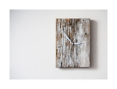 Model no 22 *). Aged wood is a beautiful way to add character to your home or garden. Developped naturally. Pine wood. Size: 26 cm x 18 cm.