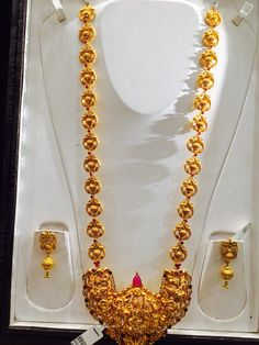 67 Gms long necklace Gold Necklace Simple, Gold Jewelry Simple, Gold Temple Jewellery, Gold Jewellery Design, Pendant Jewelry, Beaded Jewelry, Gold Earrings Designs, Jewelry Patterns, Indian Jewelry