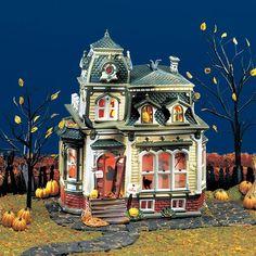 DEPARTMENT 56 54935 Haunted Mansion Halloween Diorama, Halloween Village Display, Halloween Miniatures, Halloween House, Halloween Art, Holidays Halloween, Halloween Stuff, Villas, Department 56 Christmas Village