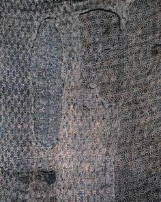 Very, very subtle pattern-on-pattern mid 19th century Edo komon hemp boro kimono. Detail.