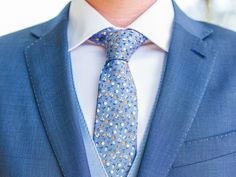How to Tie a Tie: 6 Easy Tie Knots | Photo by: RAISA ZWART PHOTOGRAPHY | TheKnot.com