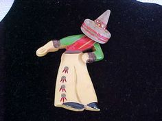 VINTAGE BAKELITE BOWING MEXICAN MAN PIN   VERY GOOD CONDITION
