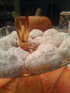 Greek Cookies: Kourambiedes