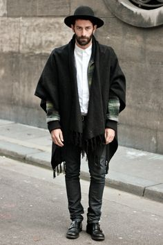 street look inspired by Jewish clothing. Fashion Tips For Women, Mens Fashion, Fashion Outfits, Jewish Men, Moda Chic, Inspiration Mode, Stylish Men, Ideias Fashion, What To Wear