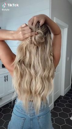 Work Hairstyles, Easy Hairstyles For Long Hair, Pretty Hairstyles, Long Blonde Hairstyles, Medium Hair Styles, Curly Hair Styles, Hair Videos, Hair Looks, Hair Inspiration