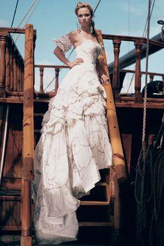 Bride Chic: Nautical and Nice Elizabeth Emanuel for The Art of Being - Welt der Hochzeit Pirate Wedding Dress, Pirate Dress, Wedding Bells, Wedding Gowns, Bridal Gallery, Cruise Wedding, Pirate Theme, Pirate Baby, Steampunk Wedding