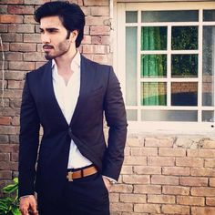 These famous Pakistani actors were once Pakistani VJs. Here are pictures and details of your favourite Pakistani VJ turned Actors. Handsome Celebrities, Top Celebrities, Handsome Actors, Celebs, Handsome Guys, Yang Yang Actor, Feroz Khan, Actor Picture, Pakistani Actress