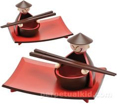 Sushi plates!..I want this for when I make sushi at home!