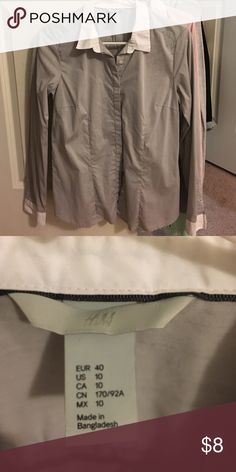 H&M button down gray/white Great condition, can't remember if I ever wore it! 😂 H&M Tops Button Down Shirts