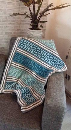 Nya Infinity blanket by LillaBjorn Crochet Quilt, Crochet Home, Knit Or Crochet, Crochet Blanket Patterns, Crochet Stitches, Crochet Baby, Knitting Patterns, Diy Knitting Projects, Manta Crochet