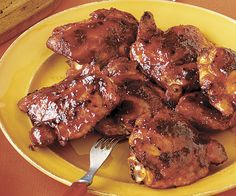 Maple and Chipotle Broiler-Barbecued Chicken Thighs From: Fine Cooking Webpage has a convenient Pin It Button Turkey Recipes, Dinner Recipes, Barbecue Chicken, Barbecue Sauce, Chipotle Chicken, Lime Chicken, Garlic Chicken, Baked Chicken, Brunch