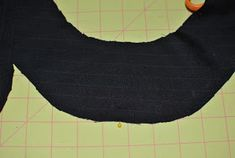 Do you remember the Driving Cap pattern I made for Travis a few weeks ago? I finished writing up the directions. Hat Patterns To Sew, Sewing Patterns, Baby Sling Wrap, Button Crafts, Crafts To Make, Mens Fashion, Buttons, Simple, Ties