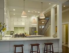 Traditional Kitchen Peninsula +raised Ranch Kitchen Design Ideas, Pictures, Remodel and Decor Kitchen Pass, New Kitchen, Kitchen Decor, Awesome Kitchen, Ranch Kitchen, Green Kitchen, Kitchen Ideas, Kitchen Photos, Beautiful Kitchen