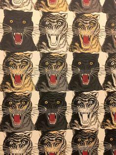 tiger art - Gucci Décor at Bergdorf's Tiger Wallpaper, Print Wallpaper, Pattern Wallpaper, Gucci Pattern, Tiger Illustration, Tiger Art, Motif Floral, Art Plastique, Oeuvre D'art