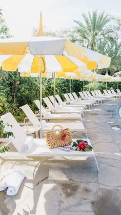 The Parker Palm Springs pool, yellow pool umbrellas Palm Springs Hotels, Parker Palm Springs, Palm Springs Style, Good Vibe, Palm Beach Gardens, Patio Umbrellas, Mellow Yellow, Retro, Outdoor Decor