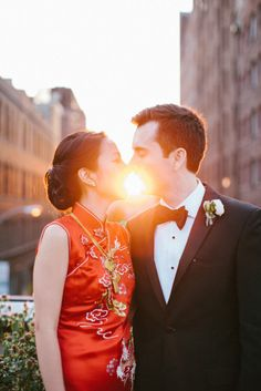 Moments like this make our hearts melt. Photography by zacxwolf.com