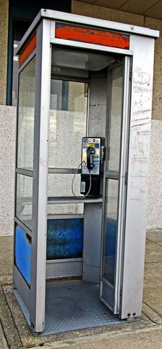 Old Pay Phone Booth With Open Hinge Door - Love's Photo Album Booth Decor, Stone Stairs, Telephone Booth, Iphone 5c Cases, Phone Organization, Old Phone, Video Home, Love Photos, Landline Phone